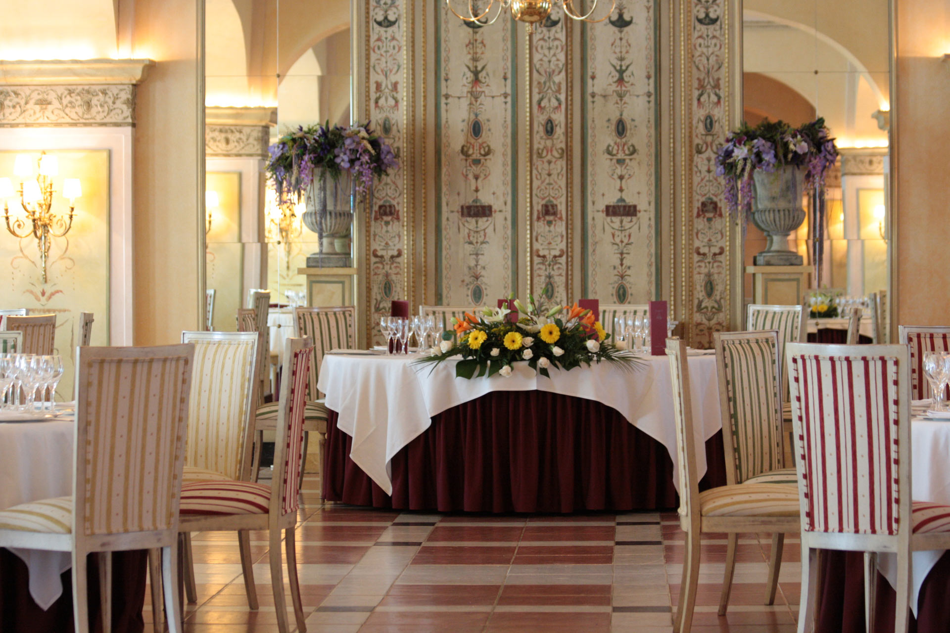 Valladolid Hotel With Heated Pool And Free Wifi Hotel La Vega 4  # Muebles Low Cost Valladolid